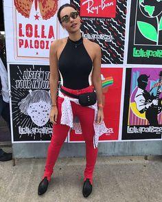 Animada a atriz Débora Nascimento (@debranascimento) marca presença no segundo dia de @lollapaloozabr e está ansiosa para conferir o show do @TheStrokes e @TheWeeknd. A gente também está Débora! No nosso story confira o recado especial que ela deixou! #lollapaloozabr #lollabr #lollapalooza2017 #deboranascimento (Via @paulamello_ e @thiagobaltazar)  via MARIE CLAIRE BRASIL MAGAZINE OFFICIAL INSTAGRAM - Celebrity  Fashion  Haute Couture  Advertising  Culture  Beauty  Editorial Photography…