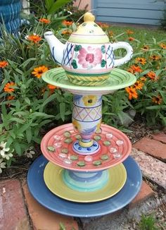 Teapot Totem By Mary2010 Photo:  This Photo was uploaded by sangaree_KS. Find other Teapot Totem By Mary2010 pictures and photos or upload your own with ...