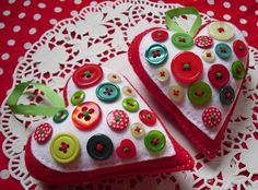 Buttons hearts to make. Maybe even use the buttons from all those outfits that have to be thrown away, but mean so much...