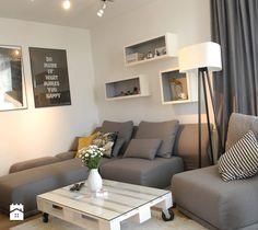 Aranżacje wnętrz - Salon: Mieszkanie Stabłowice - Salon, styl skandynawski - Design Plus Dorota Pawłowska. Przeglądaj, dodawaj i zapisuj najlepsze zdjęcia, pomysły i inspiracje designerskie. W bazie mamy już prawie milion fotografii!