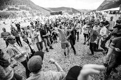 Honningbarna, Festidalen, 31.07.2015 - Galleri - GAFFA.no Dolores Park, Rock, Film, Travel, Movie, Viajes, Film Stock, Skirt, Locks