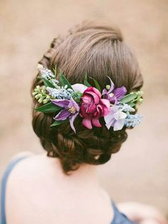 Stunning bridal hair with bright flowers