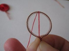 How-to-Make-Beautiful-Flowers-from-Wire-and-Thread-4.jpg