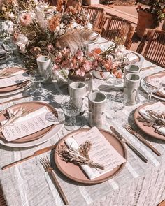 wedding table settings with sheer floral fabrics, wedding flowers, boho wedding theme, outdoor weddings, woven accessories and picnic setting decor Decoration Table, Reception Decorations, Reception Table, Picnic Style, Wedding Table Settings, Table Wedding, Outdoor Table Settings, Bridal Table, Place Settings