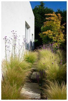 56 Fabulous Side Yard Garden Design Ideas And Remodel #sideyardgarden #backyardlandscaping #gardendesign ~ vidur.net