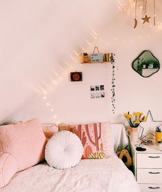 """9,377 Likes, 14 Comments - Urban Outfitters Europe (@urbanoutfitterseu) on Instagram: """"When you win our Dream Bedroom competition on #UORewards and get the cutest set-up ✨ Not signed up…"""""""