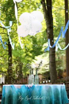 Easy and Beautiful Dip Dyed Tablecloth