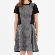 """Madewell Textured Tribune Dress 00 Runs Big Madewell Textured Tweed Tribune Dress in Black and Gray. Size 00 (x-small) but runs big- could easily fit up to a medium depending on fit desired. Short sleeve, scoop neck, flare bottom. Perfect for wear to work and the office. Sturdy material, great quality. No flaws, minor wear to fabric from general use. Madewell Item # b1409 Sold out! www.madewell.com/madewell_category/DRESSES/shiftdresses/PRDOVR~B1409/B1409.jsp •Nonwaisted. •Falls 36"""" from…"""