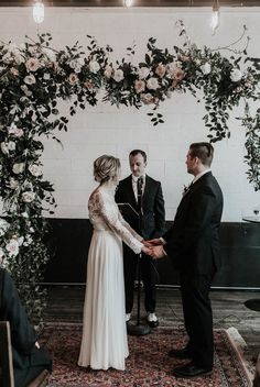 The relaxed vibe, artsy details, and family dinner style of this Union/Pine wedding will make you feel just like you've been invited into the couple's home.