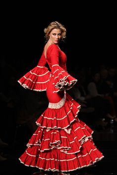 Flamenco Dress for doll Flamenco Costume, Flamenco Dancers, Red Frock, Spanish Fashion, Special Dresses, Fashion Outfits, Womens Fashion, Fasion, Lady In Red