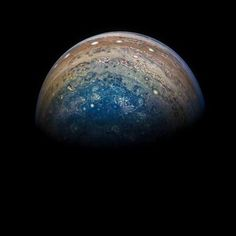 Post with 2576 votes and 89998 views. NASA has released new images of Jupiter, taken by the Juno Spacecraft. Nasa Photos, Nasa Images, Nasa Juno, Juno Spacecraft, Gas Giant, Space And Astronomy, Our Solar System, Solar Energy, Solar Power