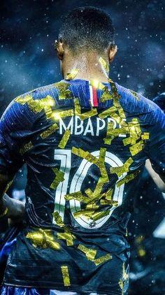 Photo de Cristiano Ronaldo : Exclu: MBAPPÉ même à l'école! Football Is Life, Football Boys, World Football, College Football, Iran National Football Team, France Wallpaper, Cr7 Messi, Mbappe Psg, Football Squads