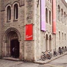 Museo de Arte de la Universidad de Toronto. Identidad