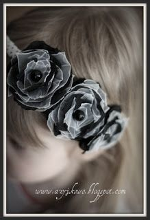 Black and White Black And White, Flowers, Plants, Handmade, Garden, Gold, Black White, Hand Made, Blanco Y Negro