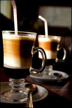 dois cafés
