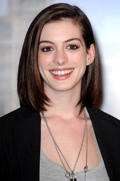Google Image Result for http://www.yourstylentrend.com/blog/wp-content/uploads/2010/09/Anne-Hathaway-sports-a-new-haircut-2.jpg