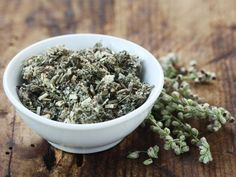 9 herbs that boost your fat burning - Fitness Doctors! Hcg Kur, Healthy Drinks, Healthy Recipes, Fat Loss Drinks, Diet Meal Plans To Lose Weight, Fat Loss Diet, Group Meals, Kraut, Fitness Nutrition
