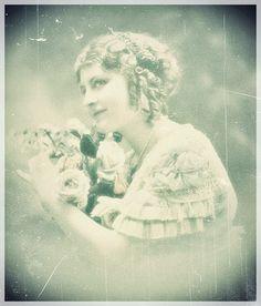 'Rosabella ~ la vie en rose'