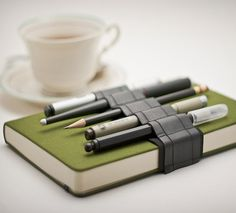 Look, it's a utility belt made for notebooks!