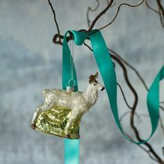 White Stag // Animal Christmas Trend // Graham & Green  #animal #christmasanimal #festiveanimal #christmastree #christmasdecoration #treedecoration #christmas #festive #decoration #homedecor #kitsch #grahamandgreen