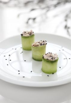 Cucumber rolls with goat cheese and sun dried tomatoes