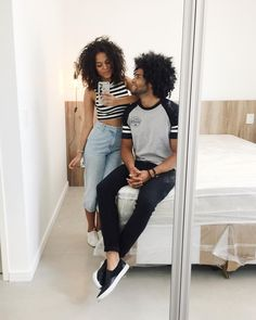 Listras e mom's jeans Cute and casual stylish t-shirt and jeans with a matching fro.