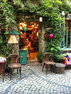 Alacati Izmir~TURKIYE Turkey Vacation, Turkey Travel, Small House Diy, Alacati Turkey, Turkey Places, Urban Street Art, Restaurant Concept, Old World Charm, Istanbul Turkey