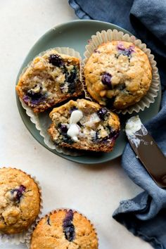 wholesome + buttery blueberry oatmeal muffins made with honey and oats. Blueberry Oatmeal Muffins, Applesauce Muffins, Strawberry Muffins, Oat Muffins, Healthy Muffins, Blue Berry Muffins, Breakfast Muffins, Blueberry Breakfast, Health Breakfast