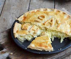 Say Cheese! Cheese, Onion and Potato Pie Recipe for British Pie Week - Lavender and Lovage Welsh Recipes, Uk Recipes, Turkish Recipes, Pastry Recipes, Vegetarian Recipes, Romanian Recipes, British Recipes, Scottish Recipes, English Recipes