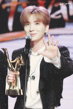 Leeteuk | Super Junior | 2018 Golden Disk Awards