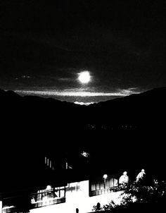 Der Mond über meinem Dach