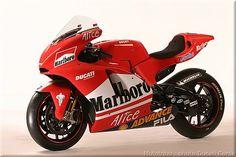Ducati Motogp, Ducati Motorcycles, Yamaha, Ducati Desmosedici Rr, Motos Vintage, Car Prints, Bike Photo, Sportbikes, Street Bikes