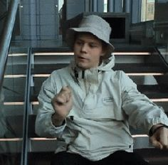 my nigga yung lean hittin the 4 point parallel park making sure the scraper is in symmetrical alignment wit da curb Yung Lean Sadboys, Cloud Rap, Underground Rappers, Gif Photo, Male Man, Cry Baby, Man Alive, Vaporwave, Record Producer