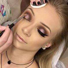 🇧🇷Simplesmente linda @rubiaberto @rubiaberto 🍃 🌸 🍃🍃 🌸 🍃👸🏼🍃 🌸 🍃#maquiagembrasill #boticario #natura #daillus #pausaparafeminices #contour #contouring #foundation #highlight #motd #hudabeauty #beautygram #alyakattan #monakattan #makeuptransformation #kyliejenner #makeupguru #makeupvideo #makeuptutorial #igmakeup #makeupbrushes #ovalbrushes #voguethreads #anastasiabeverlyhills #makeup  #brian_champagne #wakeupandmakeup  #maquiagem #motd #mua #brutavaresppf