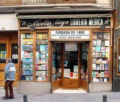 La librería más antigua de la capital. Librería Nicolás Moya