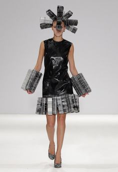 Architectural Fashion using cuboid shapes to create structure - sculptural 3D fashion; wearable art // Hellen van Rees