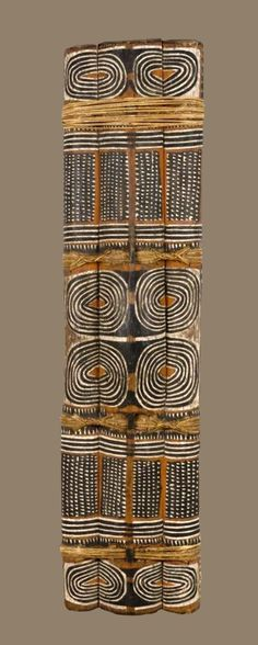 This is a great piece of ethnographic art, I would like more information about it Shield, Papua New Guinea Afrique Art, Art Tribal, Tribal Patterns, Floral Patterns, African Patterns, African Textiles, African Masks, Indigenous Art, Ocean Art
