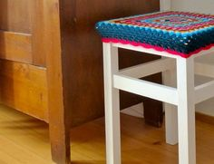 My Rose Valley: A Granny Crochet Stool for a friend