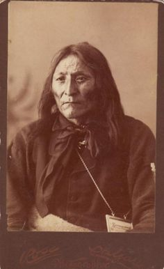 Crow Foot II (aka Crow Indian's Big Foot II, aka Shot Close, aka Bear Ghost, aka Packs The Knife II), a Chief of the Blackfoot (Siksika) Tribe. No additional information. Blackfoot Indian, Indian Tribes, Native Indian, Native American History, Native American Indians, Native Americans, Crow Indians, Canada, First Nations