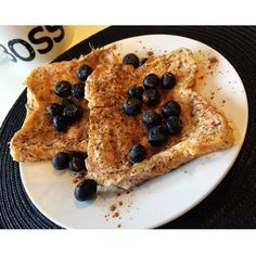 French toast for my first meal of the day  130g egg whites, 2 slices of toastie loaf, 30g blueberries, cinnamon and wf pancake syrup  Calories 206 C 30 F1 P 19 Yum yum yum yum yum #iifymgirls #iifym #flexibledieting #balancedintake #breakfast