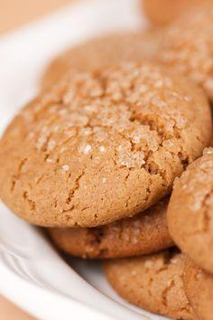 Course(s): Entrée; Ingredients: baking soda, cinnamon, egg, flour, ground cloves, ground ginger, molasses, salt, shortening, sugar