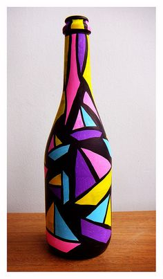 64 Trendy Ideas for camping style fun Painted Glass Bottles, Glass Bottle Crafts, Wine Bottle Art, Diy Bottle, Decorated Bottles, Plastic Bottles, Pottery Painting Designs, Glass Painting Designs, Paint Designs
