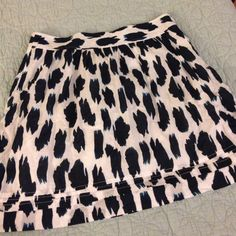 Worn once! Loft skirt Worn one time and then I gained some weight, so o was never able to wear again. LOFT Skirts