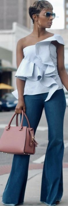 25 Womens Spring Outfits That Will Make You Look Amazing https://www.ecstasymodels.blog/2018/04/04/25-womens-spring-outfits/?utm_campaign=coschedule&utm_source=pinterest&utm_medium=Ecstasy%20Models%20-%20Womens%20Fashion%20and%20Streetstyle&utm_content=25%20Womens%20Spring%20Outfits%20That%20Will%20Make%20You%20Look%20Amazing
