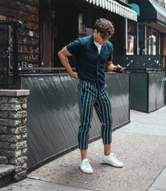 mens outfits в 2019 г. fashion, mens fashion:cat и outfits. Mode Streetwear, Streetwear Fashion, Fashion Joggers, Mode Outfits, Fashion Outfits, Guy Outfits, Uk Fashion, Male Summer Fashion, Vintage Fashion Men