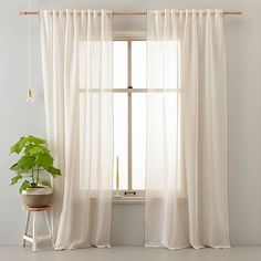 https://i.pinimg.com/236x/cd/93/3b/cd933ba521bd7b0a66071928f52955d4--curtains.jpg