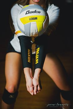 Faulkton's new volleyball uniform arm design made for a great senior photo idea! Volleyball Poses, Volleyball Uniforms, Volleyball Hairstyles, Volleyball Senior Pictures, Volleyball Training, Volleyball Outfits, Volleyball Workouts, Coaching Volleyball, Women Volleyball