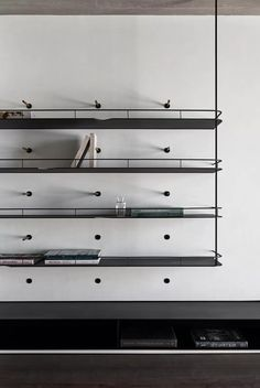 Modern metal shelving system with integrated bookends - Home Professional Decoration Cabinet Furniture, Furniture Design, Balustrades, Joinery Details, Design Apartment, Metal Shelves, Metal Bookcase, Wall Shelving, Modern Shelving