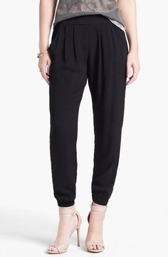 On trend: Relaxed Drawstring Pants