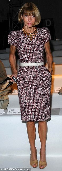 Vogue editor Anna Wintour has been wearing same Manolo Blahnik designed pumps for 22 years   Daily Mail Online